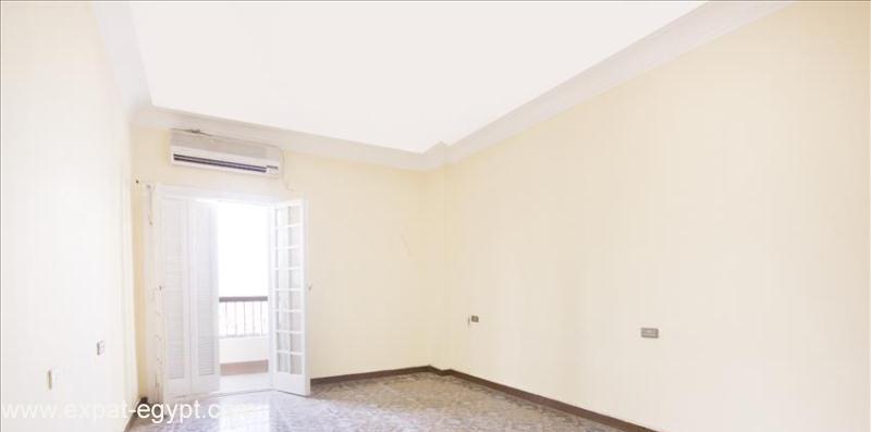 عقار ستوك - للبيغ بالدقى شقة بشارع حيوي جدا
