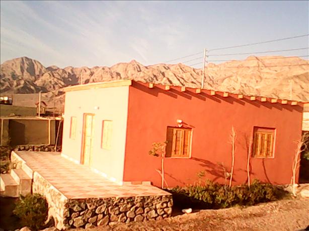عقار ستوك - منزل للبيع سوبر لوكس  يرى  البحر بـ نويبع جنوب سيناء  700 متر بحديقة .